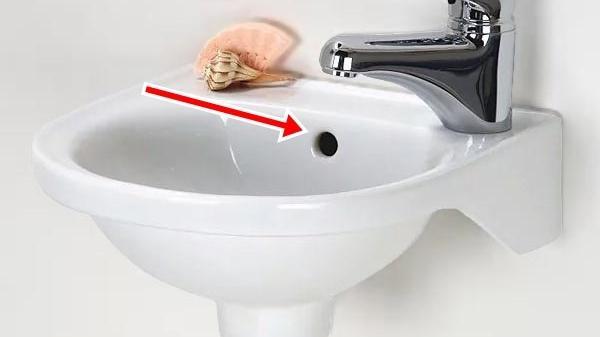Lỗ nhỏ trên bồn rửa mặt, không phải ai cũng biết vì sao nó lại ở đó, biết công dụng ai cũng bất ngờ