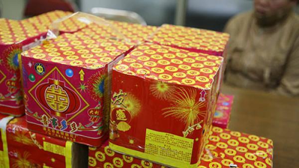 Kim Động (Hưng Yên): Kịp thời b.ắt giữ đối tượng mua bán trái phép pháo nổ trong bao tải dứa