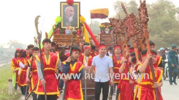 Độc đáo nghi thức rước nước đầu năm trong lễ hội đền Đức Thánh Cả ở Kim Động - Hưng Yên