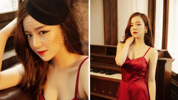 'Hot girl ngủ gật' Hưng Yên lại gây sốt với bộ đồ hờ hững càng tôn thêm vẻ gợi cảm và bốc lửa