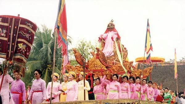 Lễ hội Chử Đồng Tử - gìn giữ nét đẹp văn hóa ngàn đời