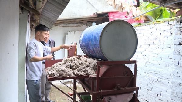 Nông dân Hưng Yên sáng chế máy trộn ủ, máy đóng túi giá thể trồng nấm giá 45 triệu đồng/cặp