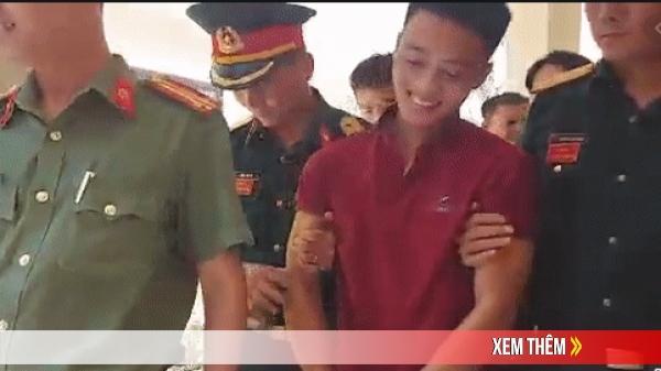 Clip: Triệu Quân Sự bị dẫn về trại giam, nằng nặc đòi gặp mẹ