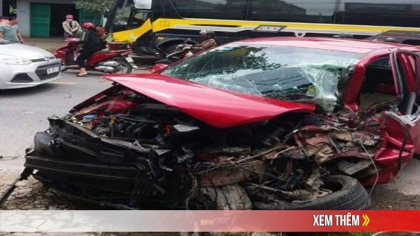 VỪA XONG ở đường Tuyên Quang - Hà Giang: Xe con đấu đầu xe khách cả 2 tài xế bị th.ư.ơ.ng nặng