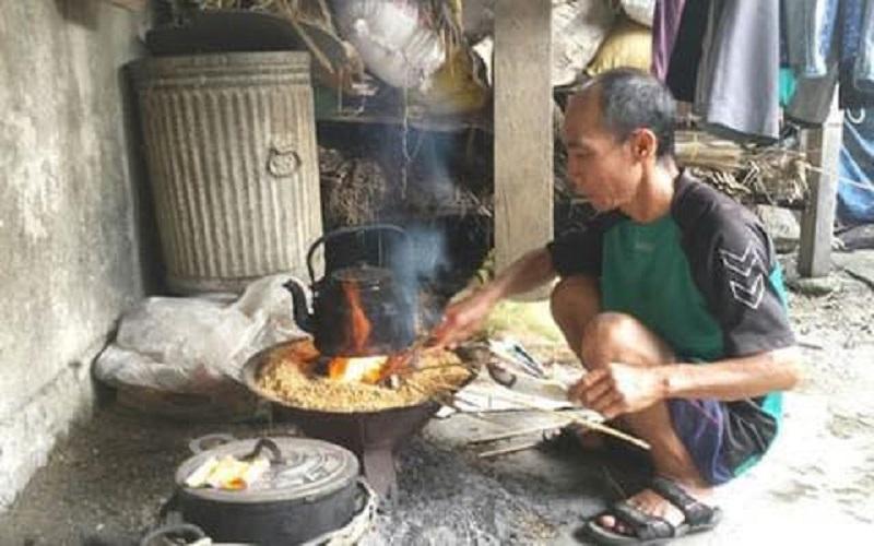 Đàn ông làm hết mọi việc trong nhà từ đồng áng đến bếp núc
