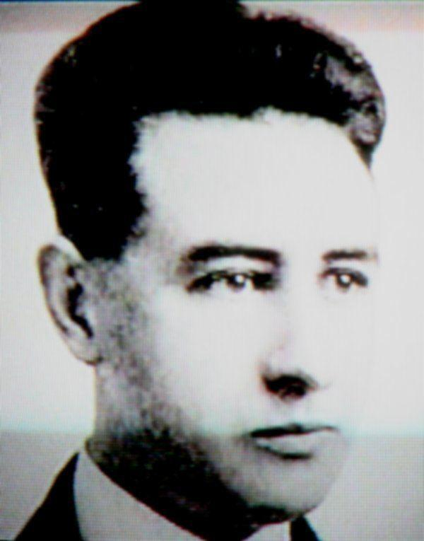 James Bedford khi còn trẻ.