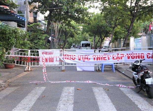 Một khu phố ở Đà Nẵng bị phong tỏa vì có liên quan đến ca mắc Covid-19.