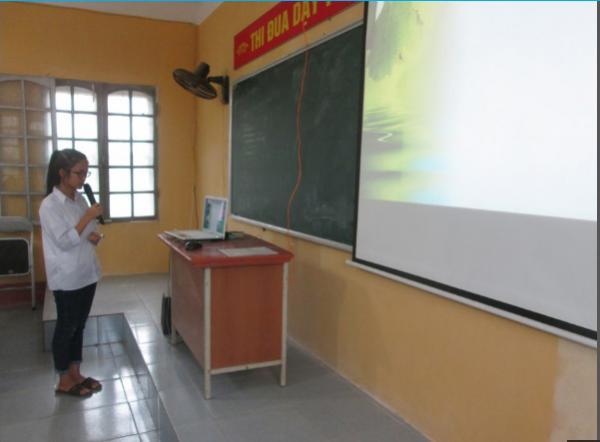 Học trò của cô Thúy thường xuyên được tiếp cận với những thiết bị công nghệ hỗ trợ cho việc học tập