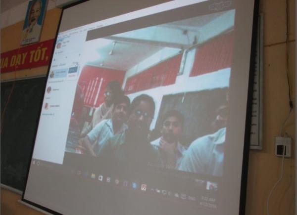 Học trò Đức Hợp thảo luận qua Skype cùng học sinh Ấn Độ