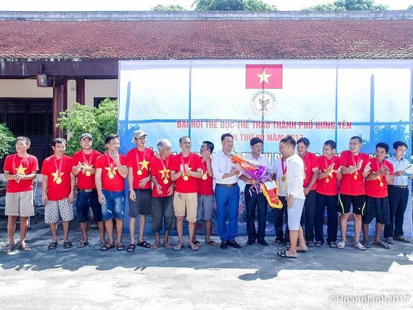 Đội Nam xã Quảng Châu nhận giải nhất